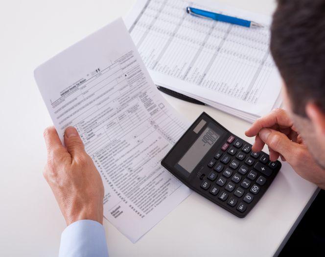 Autónomo: así debes retener el IRPF en tus facturas